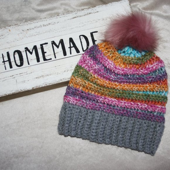 Colorful striped beanie with fur pom crocheted NEW